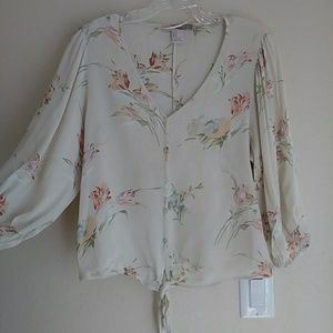 🔆 Love 21 floral long-sleeve tie-front blouse